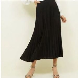 Christopher & Banks Accordion Black Skirt 14P NWT
